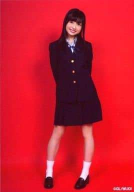 Wake Up Girls!/吉岡茉祐/全身・制服・正面・両手後ろ・背景赤/Wake Up Girls! Bromide Collection -vol.1-