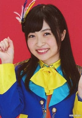 Wake Up Girls!/吉岡茉祐/バストアップ・衣装青・黄色・赤・右手グー・背景赤/Wake Up Girls! Bromide Collection -vol.2-